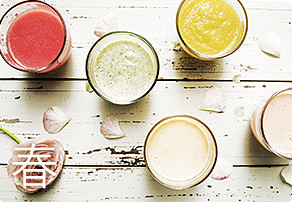 Img woman smoothie spring