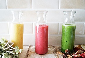 Img woman smoothie winter